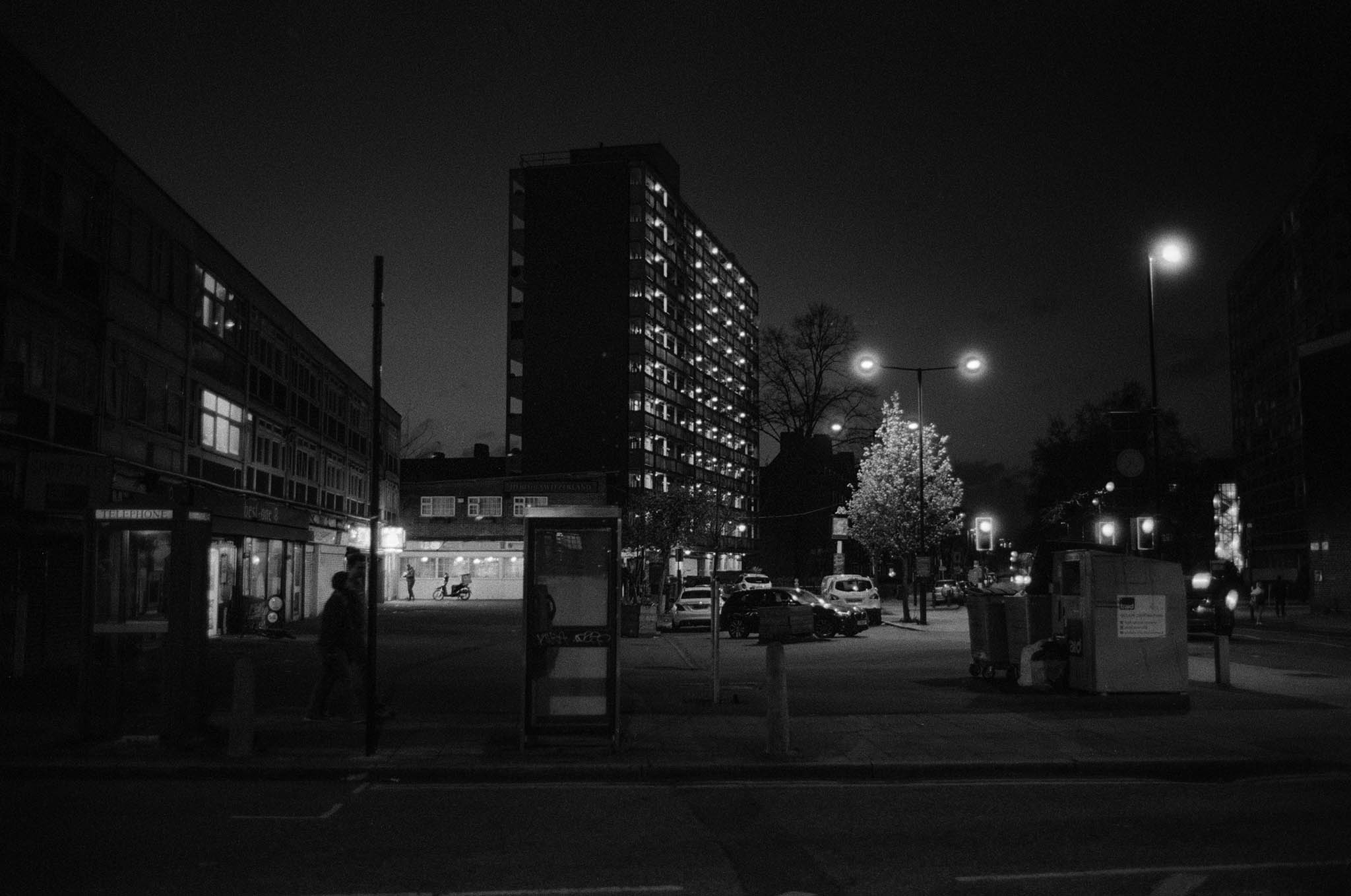 Kodak T-Max P3200 Film Review Contax G2 Night Loughborough Junction